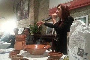 Marilù insegna la preparazione del couscous