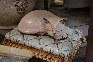 Gatto in porcellana